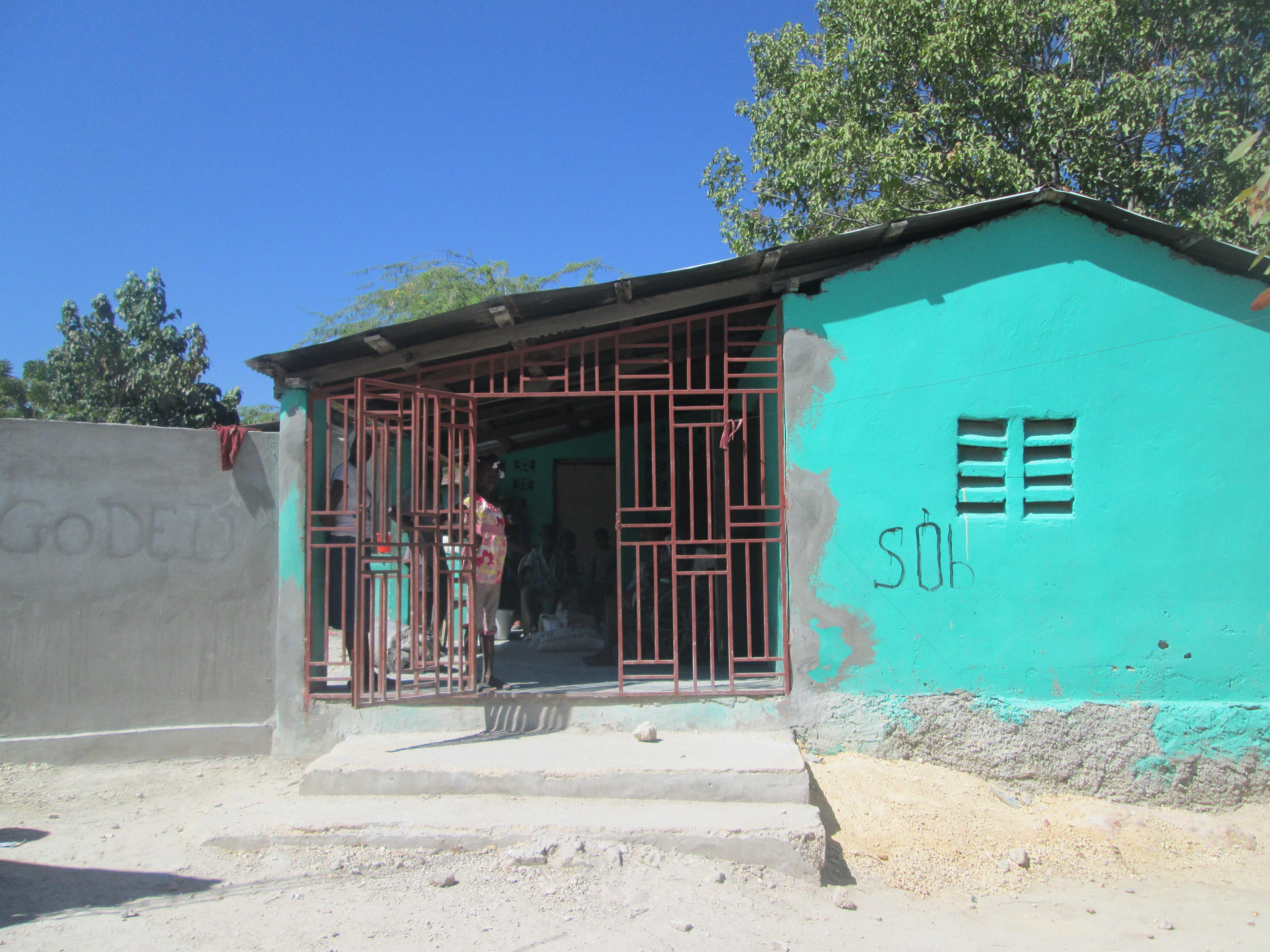 Fabulous Poor House La Gonave Community Child Association Interior Design Ideas Apansoteloinfo